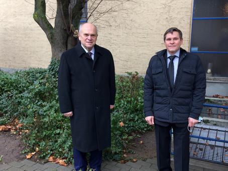 Trauerfeier Heinz Hahn - Ehrenkammerpräsident Bernd Ehinger verleiht posthum Ehrenausszeichnung