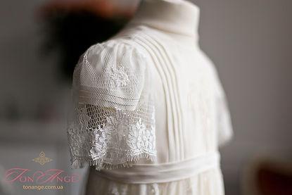 английское кружево на крестильном платье