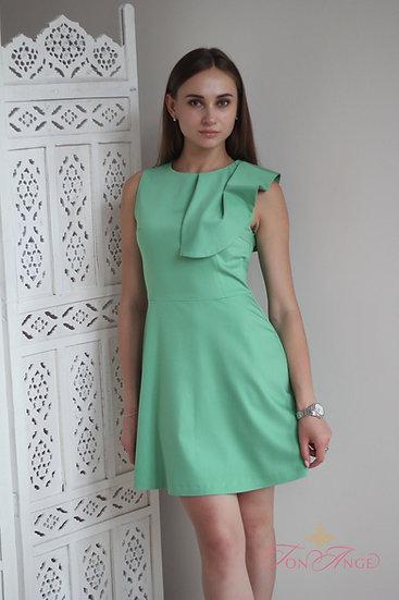 Платье модного оттенка kale