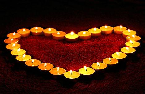 candles-1645551_1920.jpg