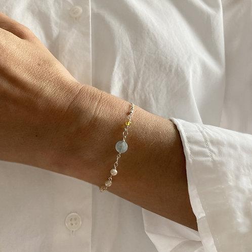 Bracelet avec aigue-marine et perles.