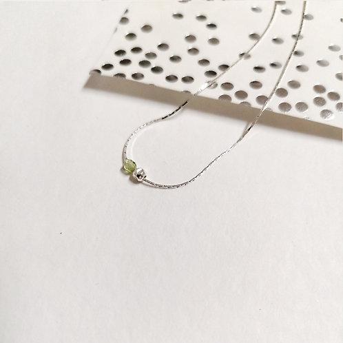 Collier deux perles-péridot