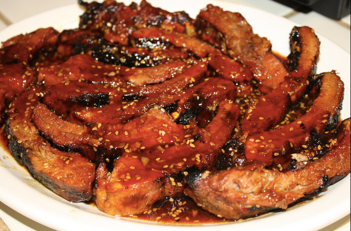 HONEY-GINGER BALSAMIC GLAZED B-B-Q RIBS