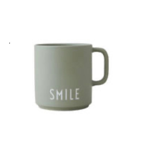 SMILE. Favourite cup with handle.