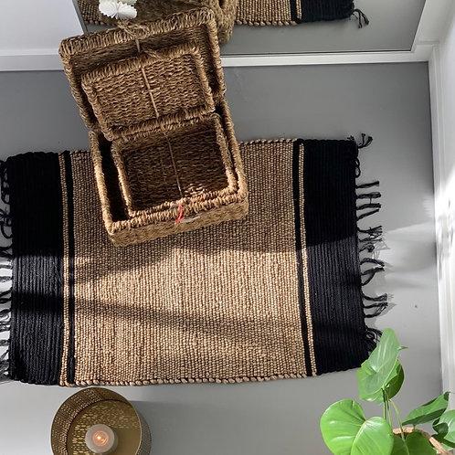 Santhia natural black rug