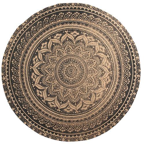 Jessore L. Yoshiko home. Nice round carpet with beautiful mandala pattern
