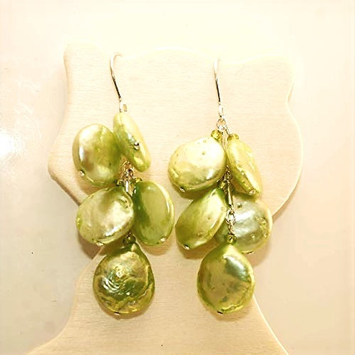 Olivine coin pearl bunch in sterling silver