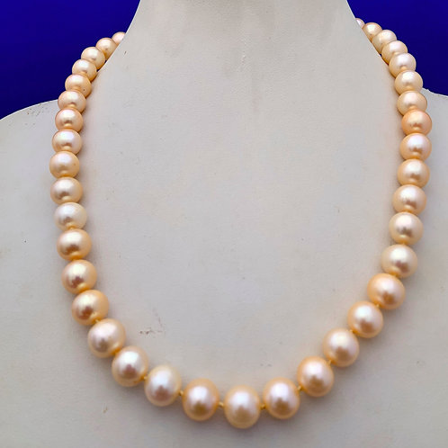 Cultured Freshwater Pearl w/Sterling Silver Clasp