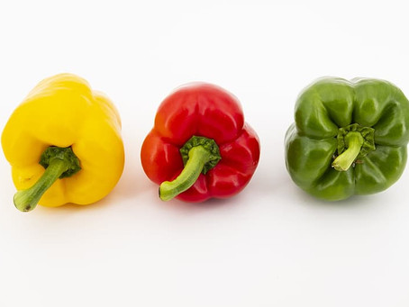 The Difference Between Red, Yellow & Green Bell Peppers