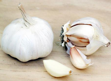 How To: Peel Garlic