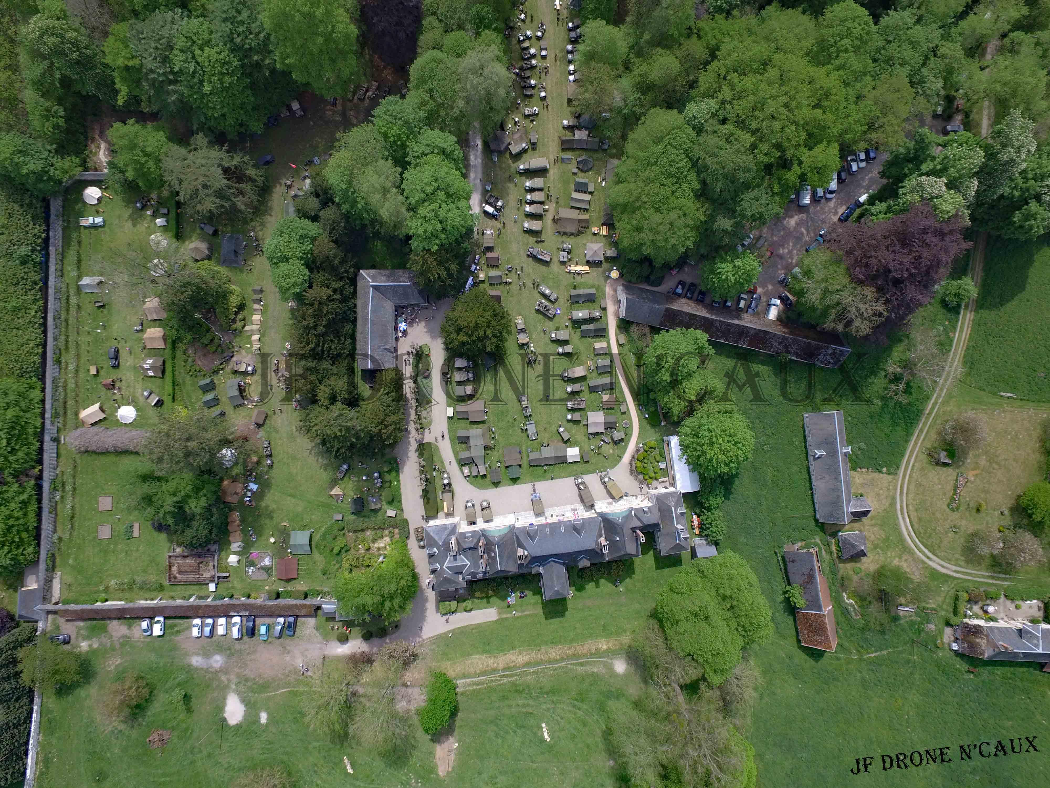 Commémorations du 8 mai 1945 au Chateau Du Taillis à Duclair DJI_0412