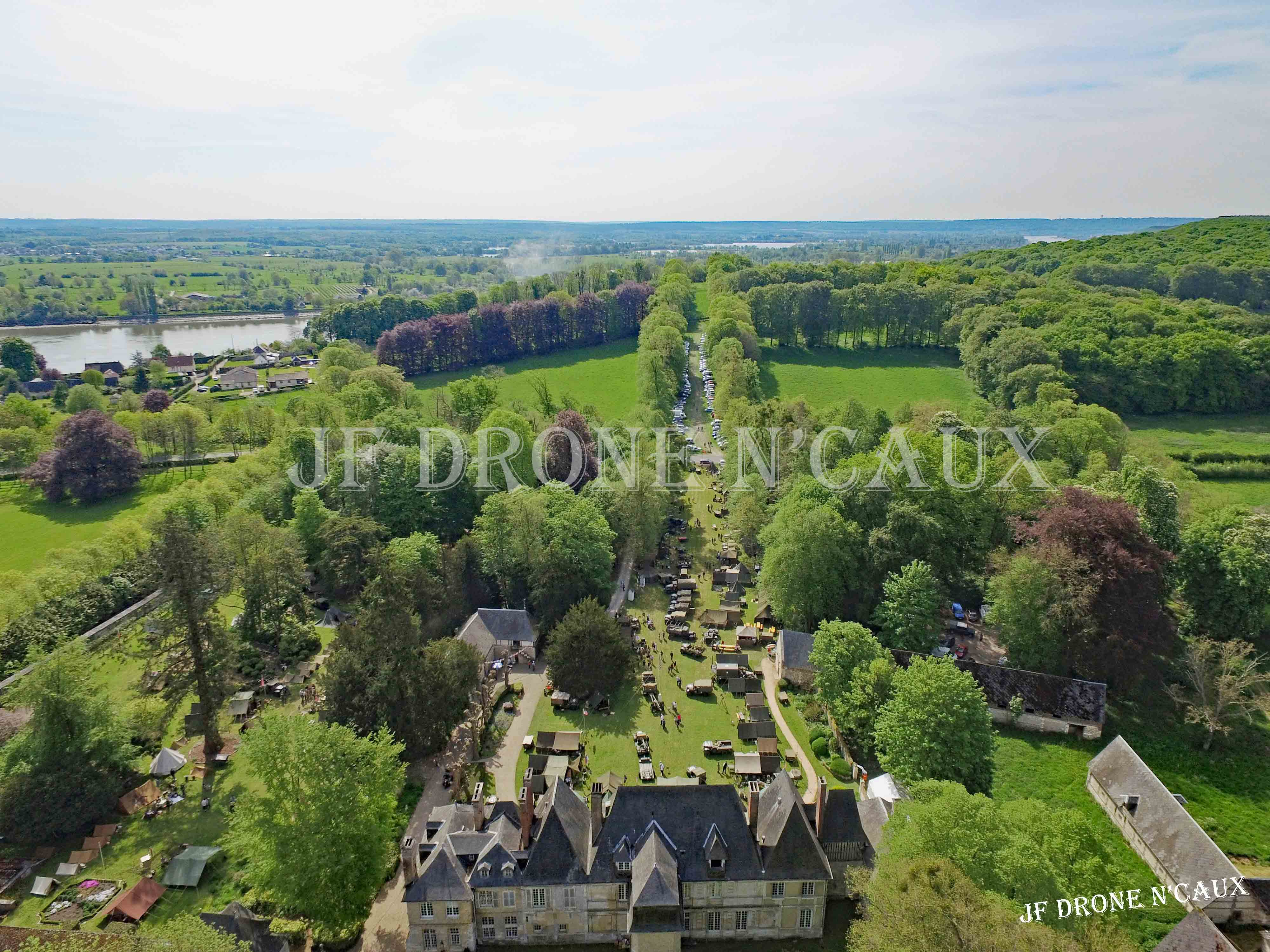 Commémorations du 8 mai 1945 au Chateau Du Taillis à Duclair DJI_0294
