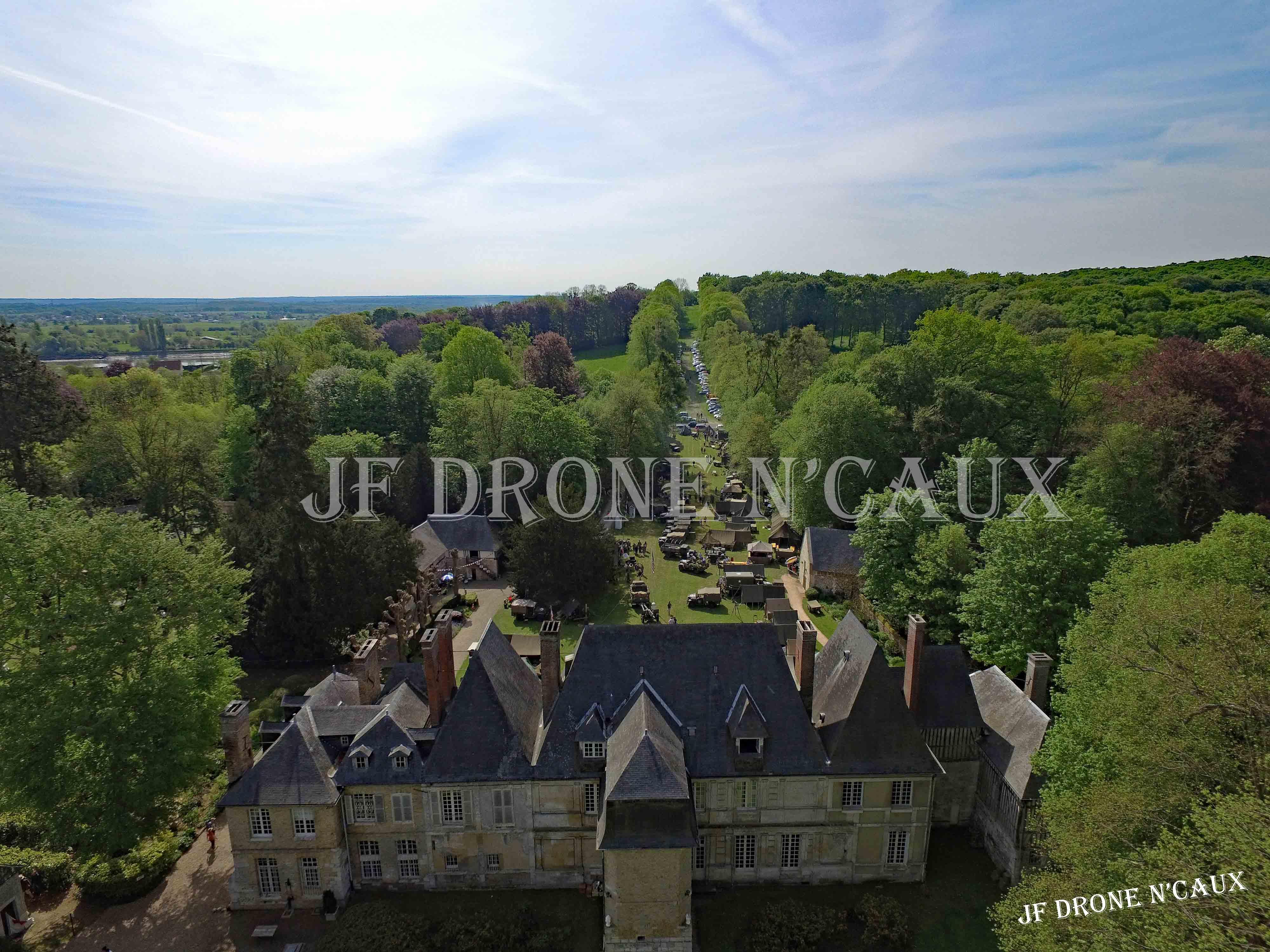 Commémorations du 8 mai 1945 au Chateau Du Taillis à Duclair DJI_0285
