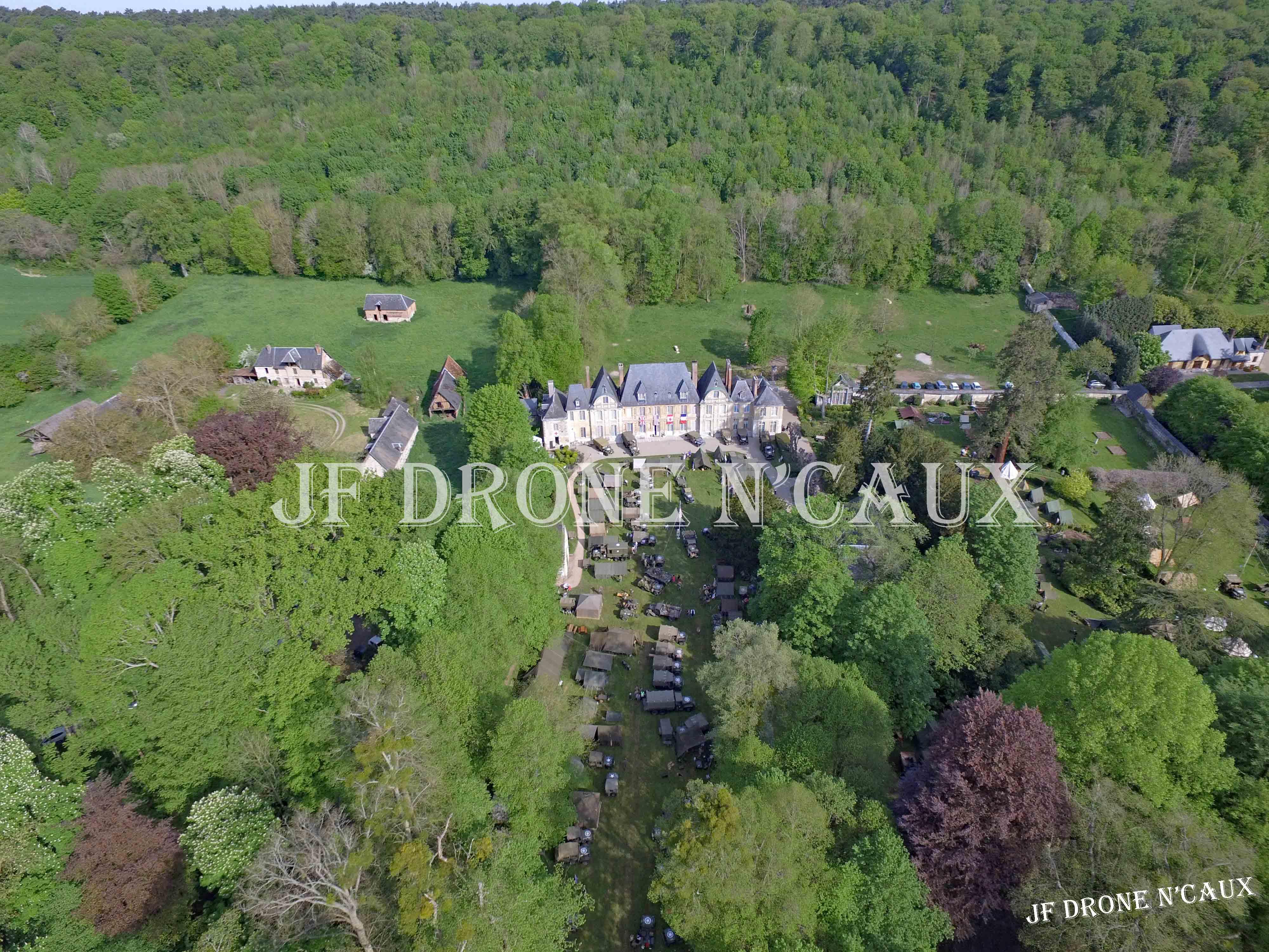 Commémorations du 8 mai 1945 au Chateau Du Taillis à Duclair DJI_0071