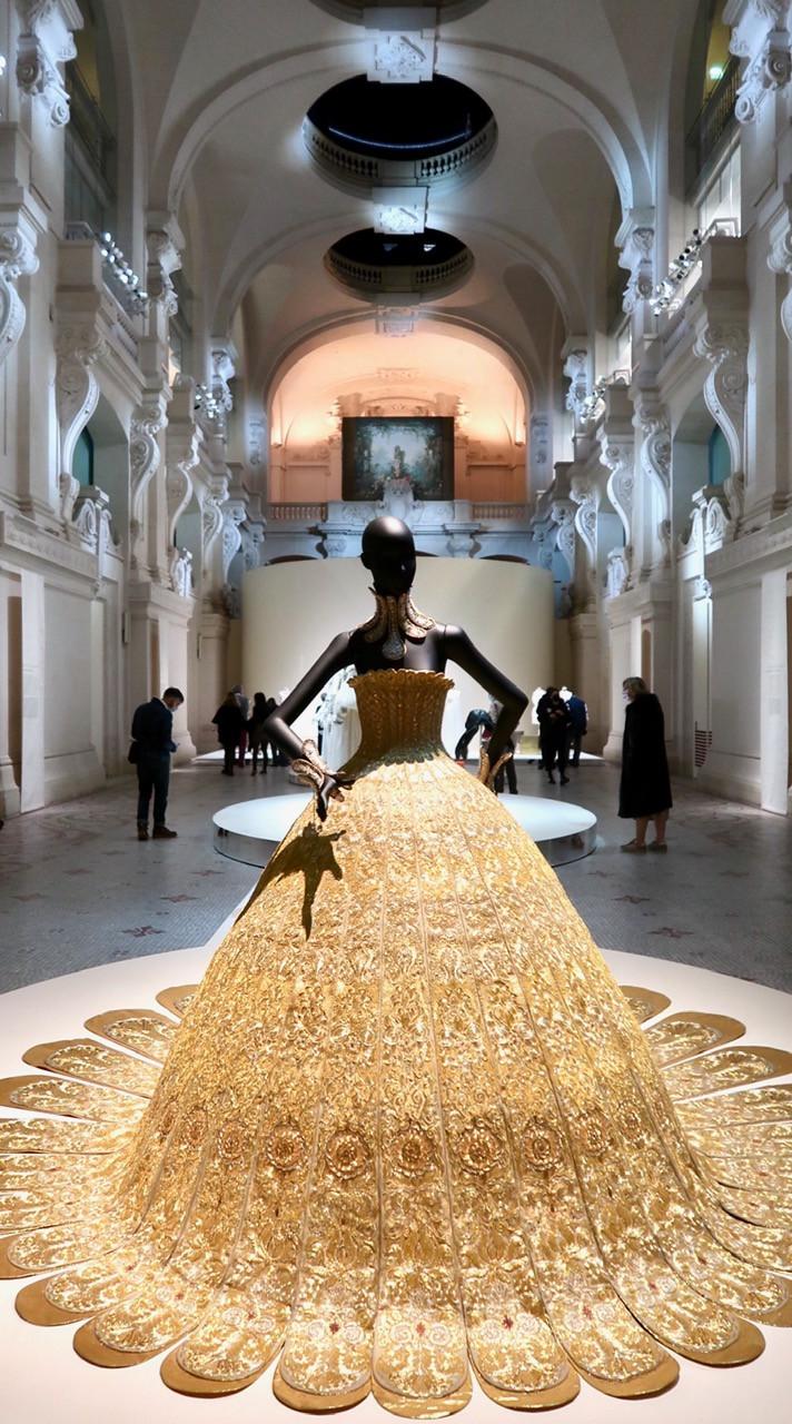 Exposition Luxes au MAD Paris