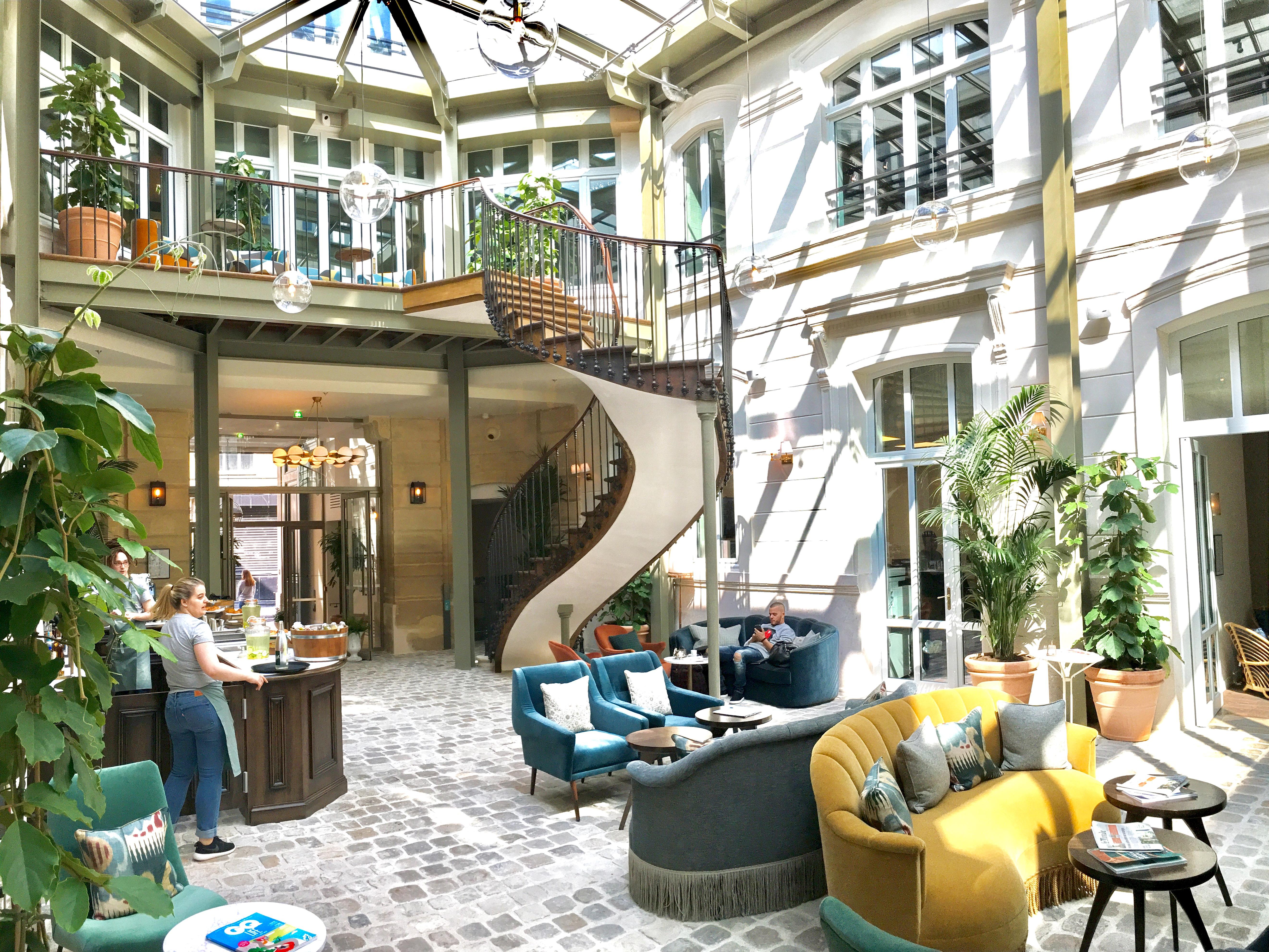 the hoxton paris yakoa le blog des sorties et bons plans sur paris. Black Bedroom Furniture Sets. Home Design Ideas