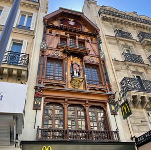 Découvrez la surprenante façade alsacienne du McDonald's de Saint-Lazare