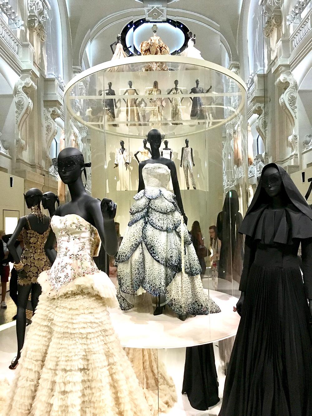 Exposition Dior au Musée des arts décoratifs paris