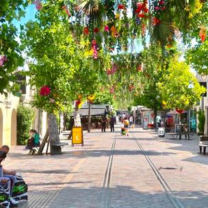 Bercy Village : un ciel de fleurs à découvrir cet été
