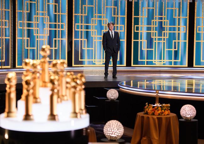 Sean Penn apresenta o 78th Annual Golden Globe Awards no Beverly Hilton, em Beverly Hills, CA. Fotografia:HFPA Photographer.