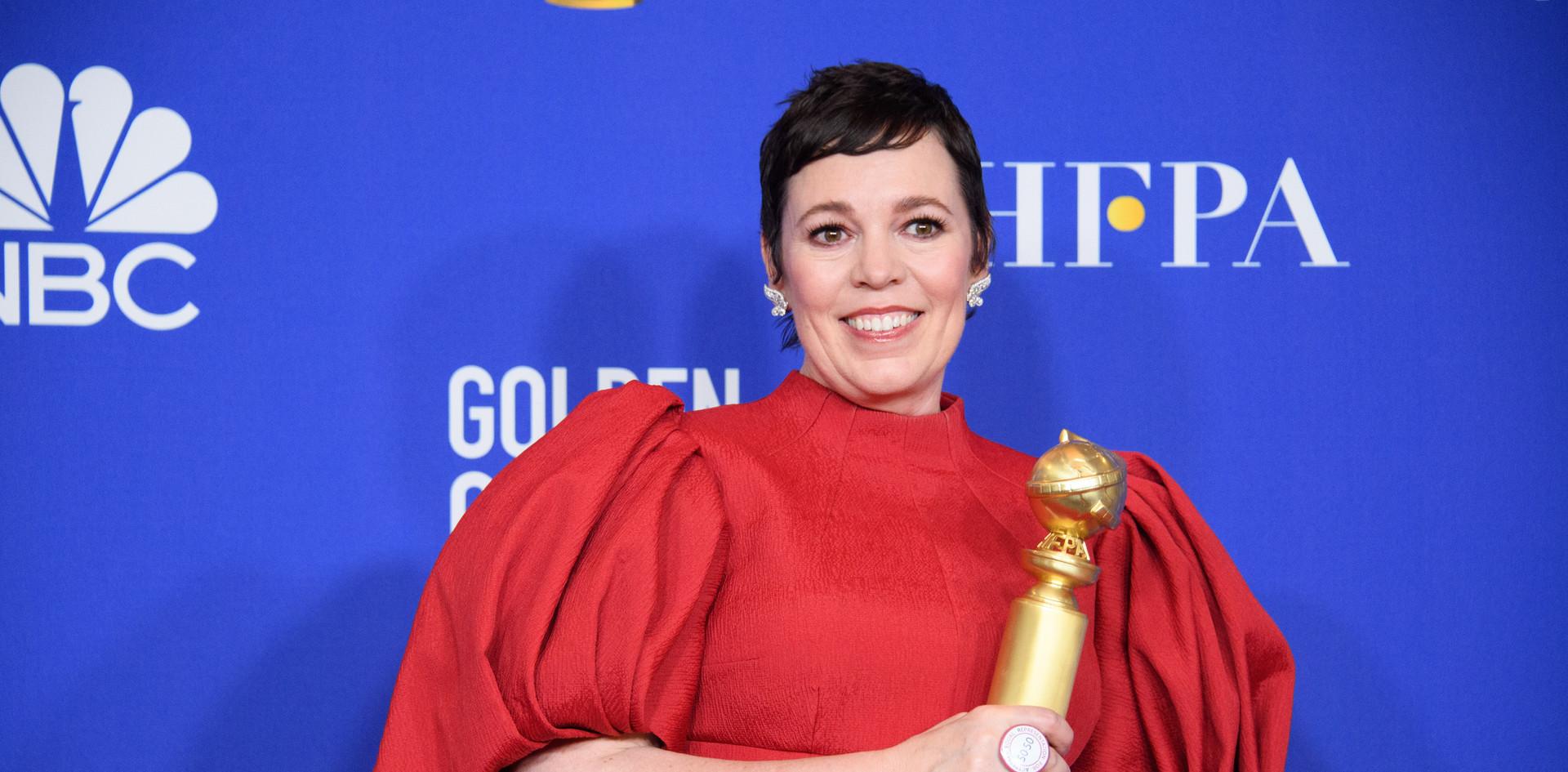 """Phoebe Waller-Bridge com o Golden Globe, como Melhor Actriz - Comédia ou Musical das Séries de Televisão:""""Fleabag,"""" na Sala de Imprensa do 77th Annual Golden Globes Awards no Beverly Hilton em Beverly Hills, CA. Fotografia: HFPA Photographer."""