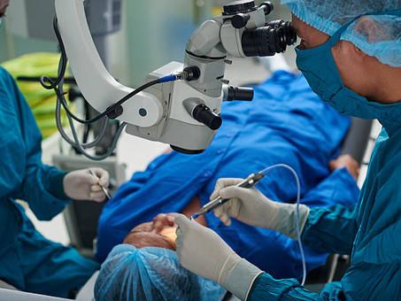 Chirurgie ophtalmologique en réalité virtuelle et imprimante 3D