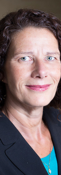 LinledIn Headshot of a caucasian woman