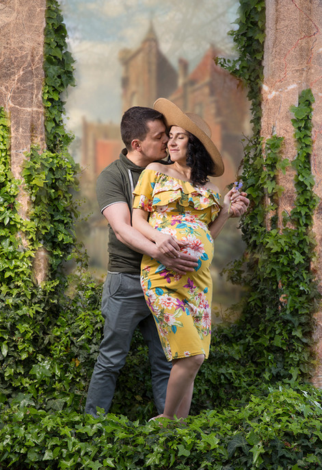 Maternity couple photo