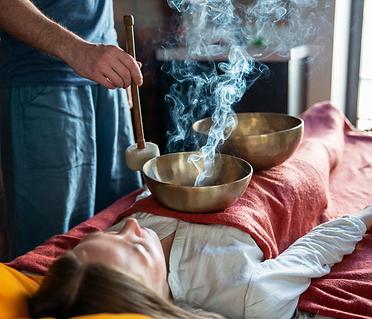 sound healing session with tibetan singing bowl