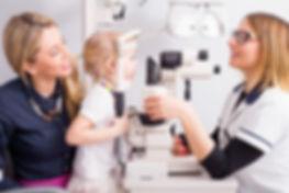ocni pregled dece, oftalmoloski pregled dece, strabizam, kratkovidost, slabovidost, pregled dee, optik profesional