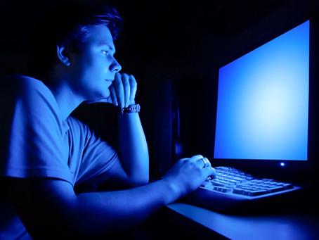 Uticaj plave svetlosti računara i ekrana na zdravlje očiju