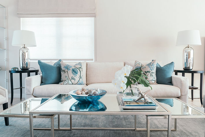 Contemporary blue an white living room. Blue and white decor. Blue and white interiors. Coastal living rooms. Contemporary coastal living room design. Classic living room. Fresh interior design. White sofa. Blue and white living room. Symetrical design