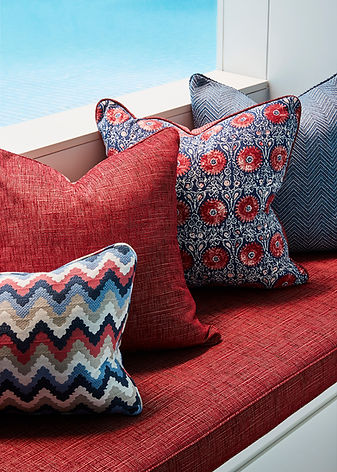 Bench seating design with cushions | how to create a cosy bench seating area | How to decorate with cushions using different patterns