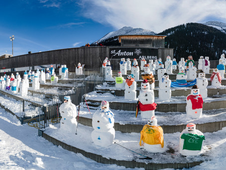 300 Snowmen For a Good Cause. A Supportive Public for St. Anton World Cup Races