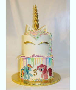Unicorn Cake 🦄__#givansweets #mylittleponycake #unicorncake #3rdbirthdaycake #rainbowdash #pinkiepi