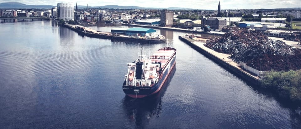 Ship%2520entering%2520Limerick%2520Docks_edited_edited.jpg