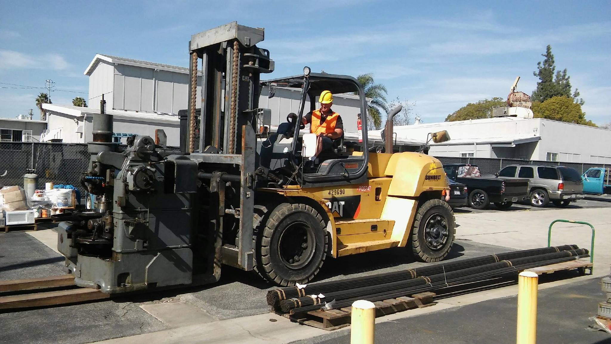 bucks movers forklift
