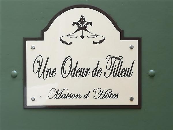 Plaque de porte - Une odeur de Tilleul Chambre d'hotes - Montbrison
