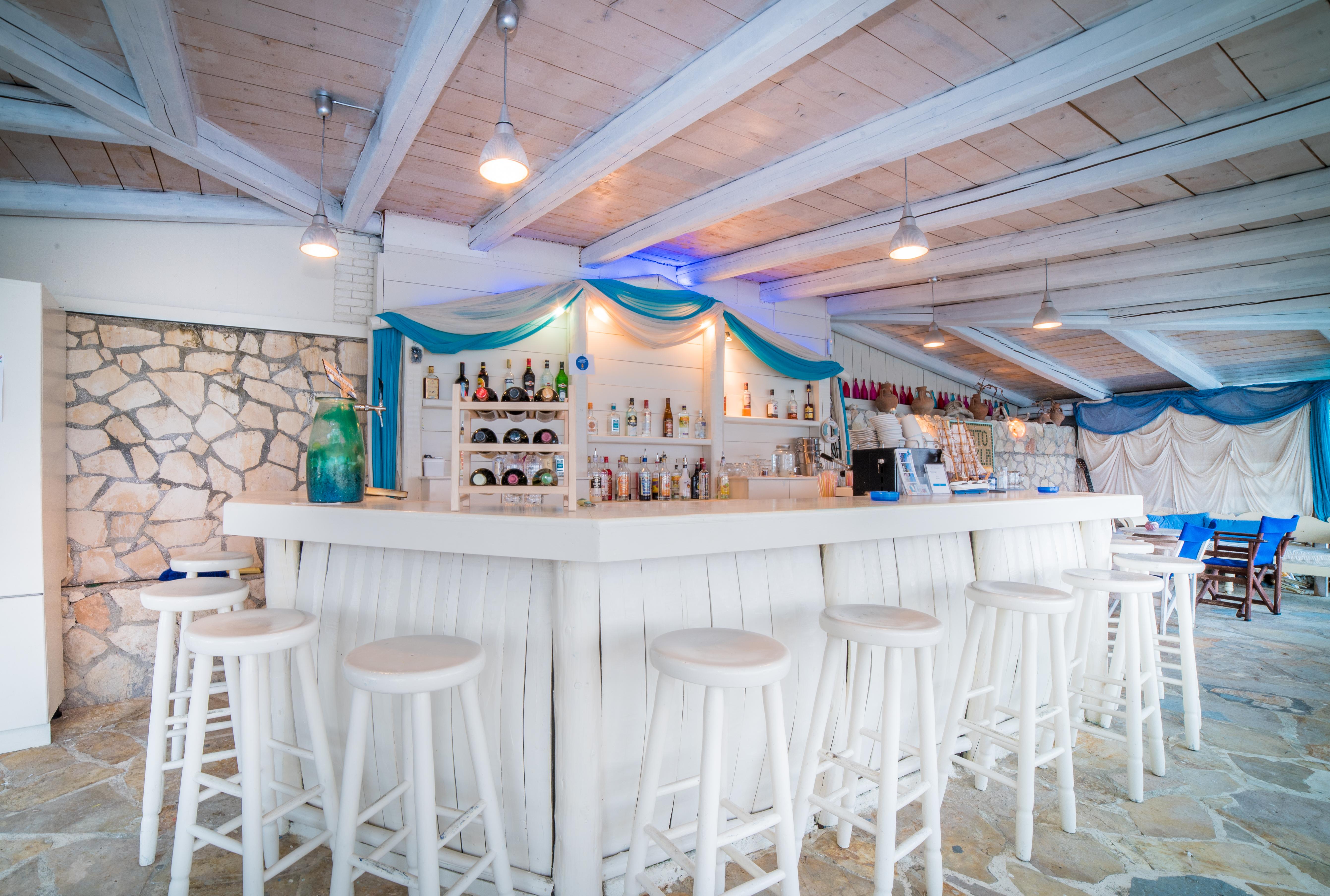 Porto Koukla Thalassa Bar