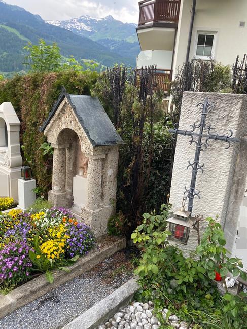 Heckenbrand Friedhof