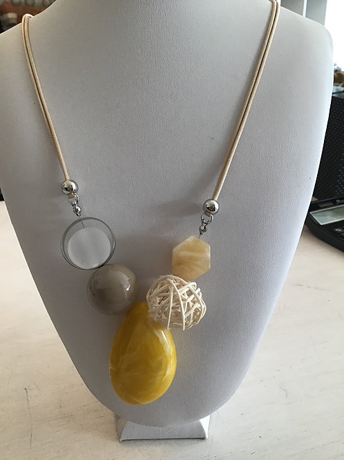 NECKLACE - Yellow Stone