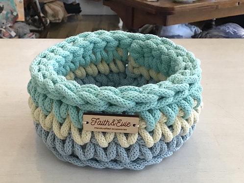 FAITH AND EVIE - Small basket