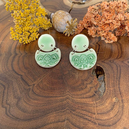 WOLF AND CLAY - Una Collection Drop Earrings (green)