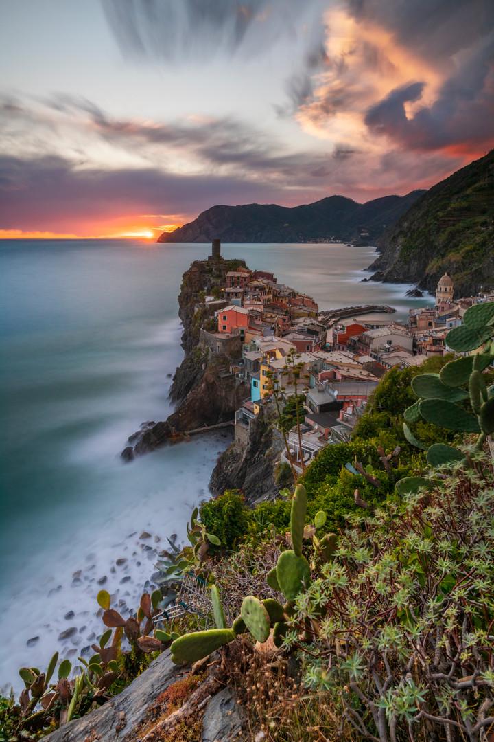 _E4A3303_Liguria Vernazza al tramonto.jp