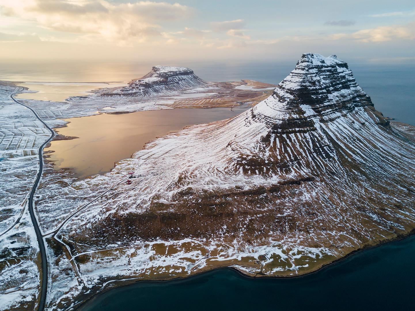 Islanda Kirkjufell al tramonto.jpg