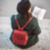 sac a dos en cuir rouge femme.jpg