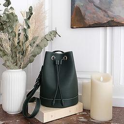 grand sac seau en cuir vert fonce 390.jp