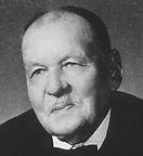 Né le 17 janvier 1883 au Havre, et mort le 24 mai 1968 à Paris, est un archéologue et historien, spécialiste de l'histoire romaine.