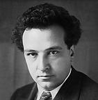 Né au Havre le 10 mars 1892 et mort à Paris le 27 novembre 1955, est un compositeur suisse. Sa maison se trouve à 5 min du lycée. Le conservatoire porte son nom.