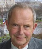 Né le 11 mai 1939 au Havre, est un homme politique. Président du Conseil régionale de la Haute-Normandie de 1992 à 1998. Il a été maire du Havre de 1995 à 2010.